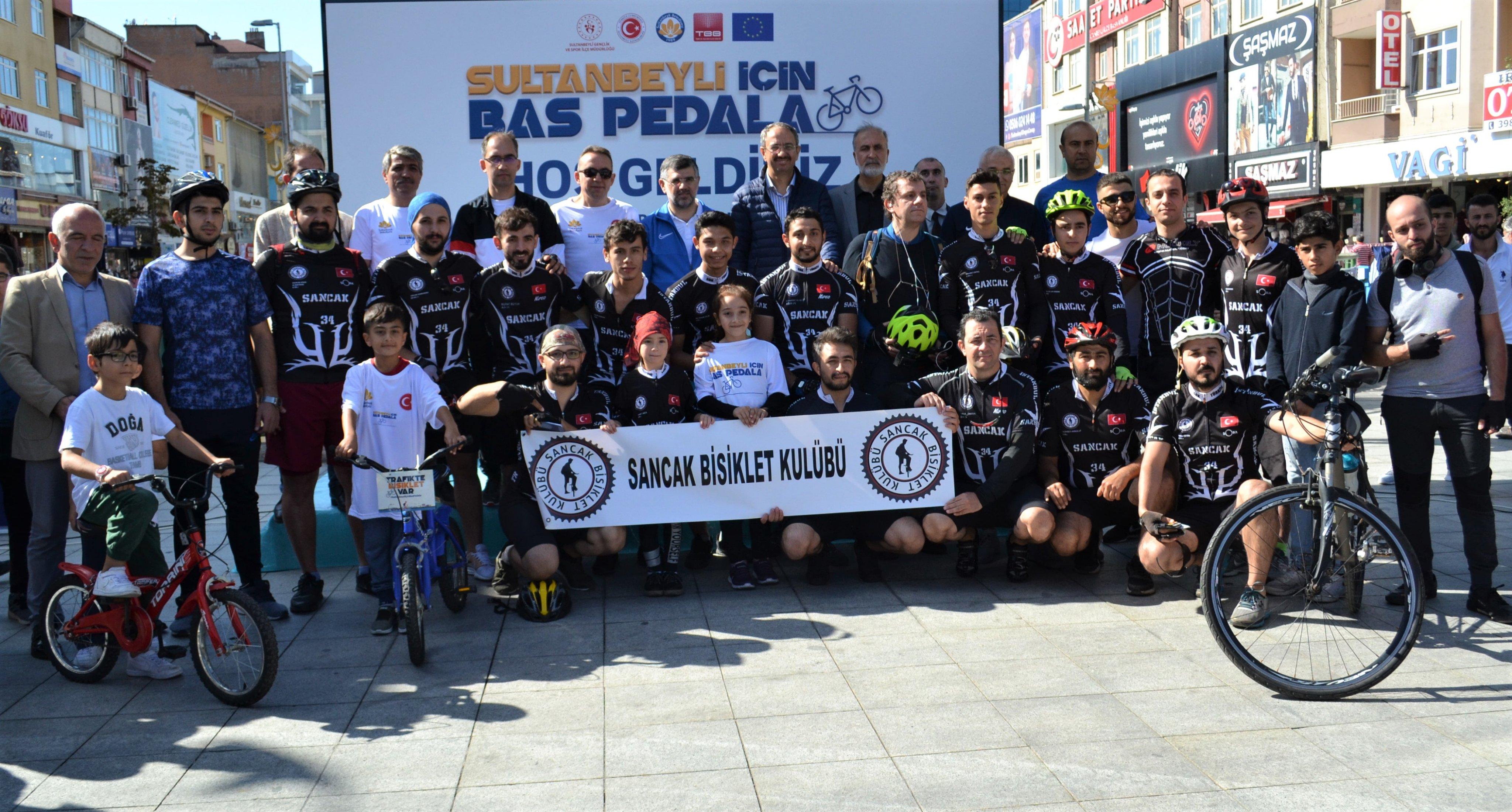 """""""Güvenli Yürüyüş ve Bisiklet"""" temasıyla Sultanbeyli'de Pedal Çevirdiler"""