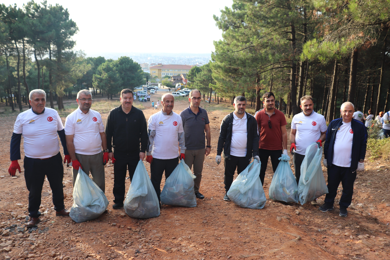 Sultanbeyli'de Çevre Platformu'nun Durağı Teferrüç Ormanı Oldu