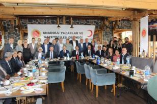 """""""Gazetecinin Yandaşı Candaşı Olmaz, Etik Kurallara Uyalım"""""""
