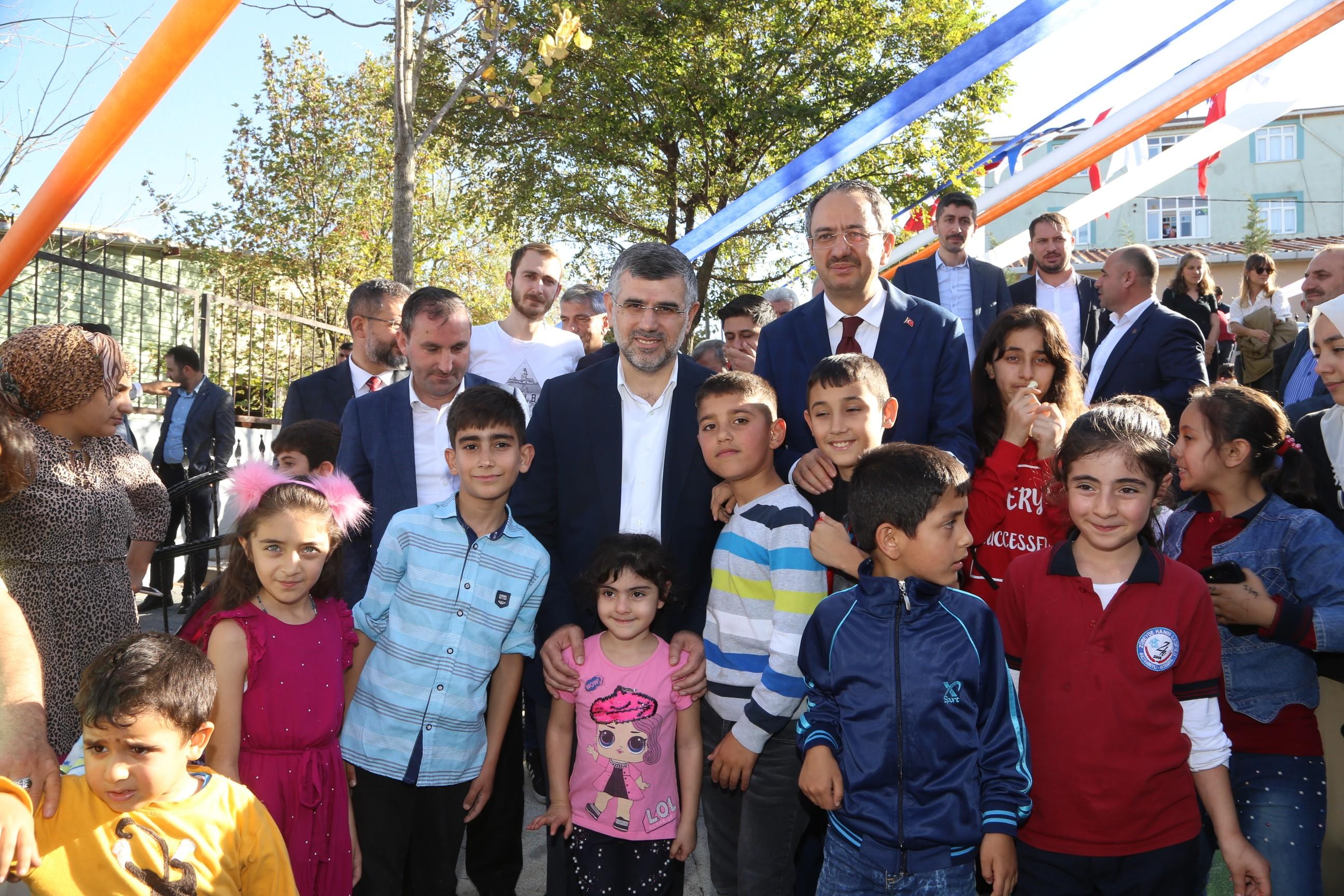 Sultanbeyli'de Miniklere Özel Park Açıldı