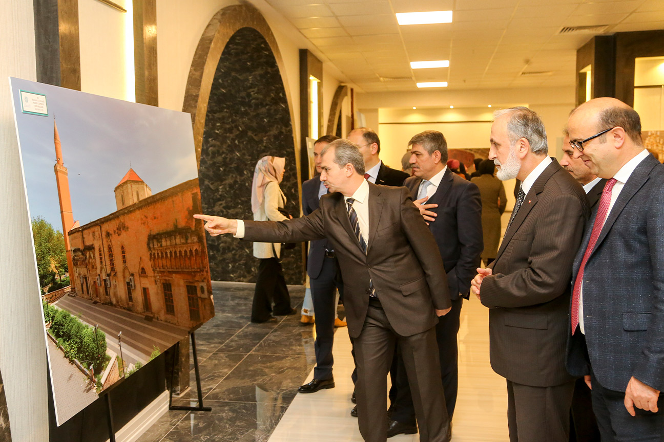 Türkiye'nin Ulu Camileri Sultanbeyli'de Sergileniyor