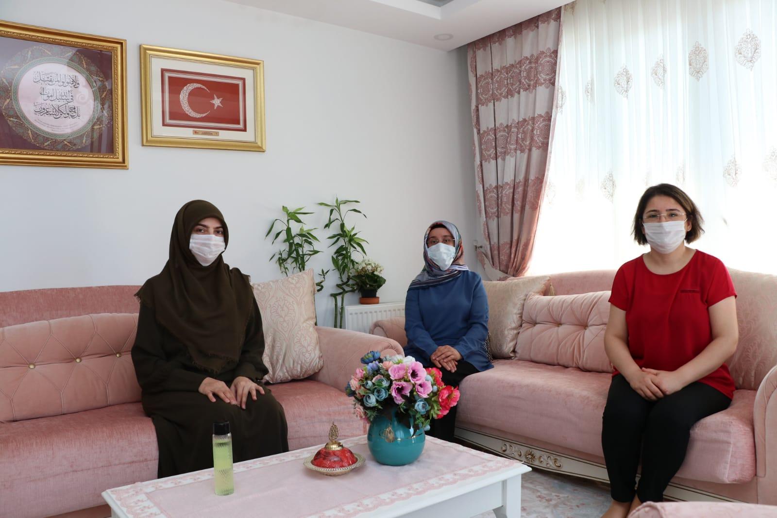 Sultanbeyli'de Şehit Ailelerine Ziyaret