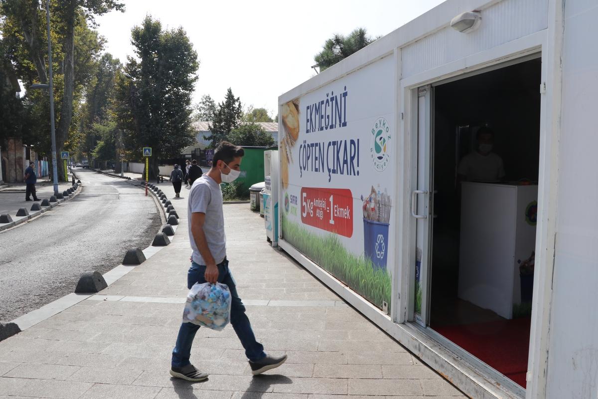 """""""Ekmeğini Çöpten Çıkar Projesi"""" 1 Yılı Geride Bıraktı"""