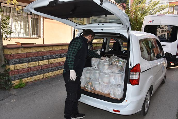 Tuzla'da Karantinada Olan Vatandaşlara Her Gün Üç Çeşit Yemek