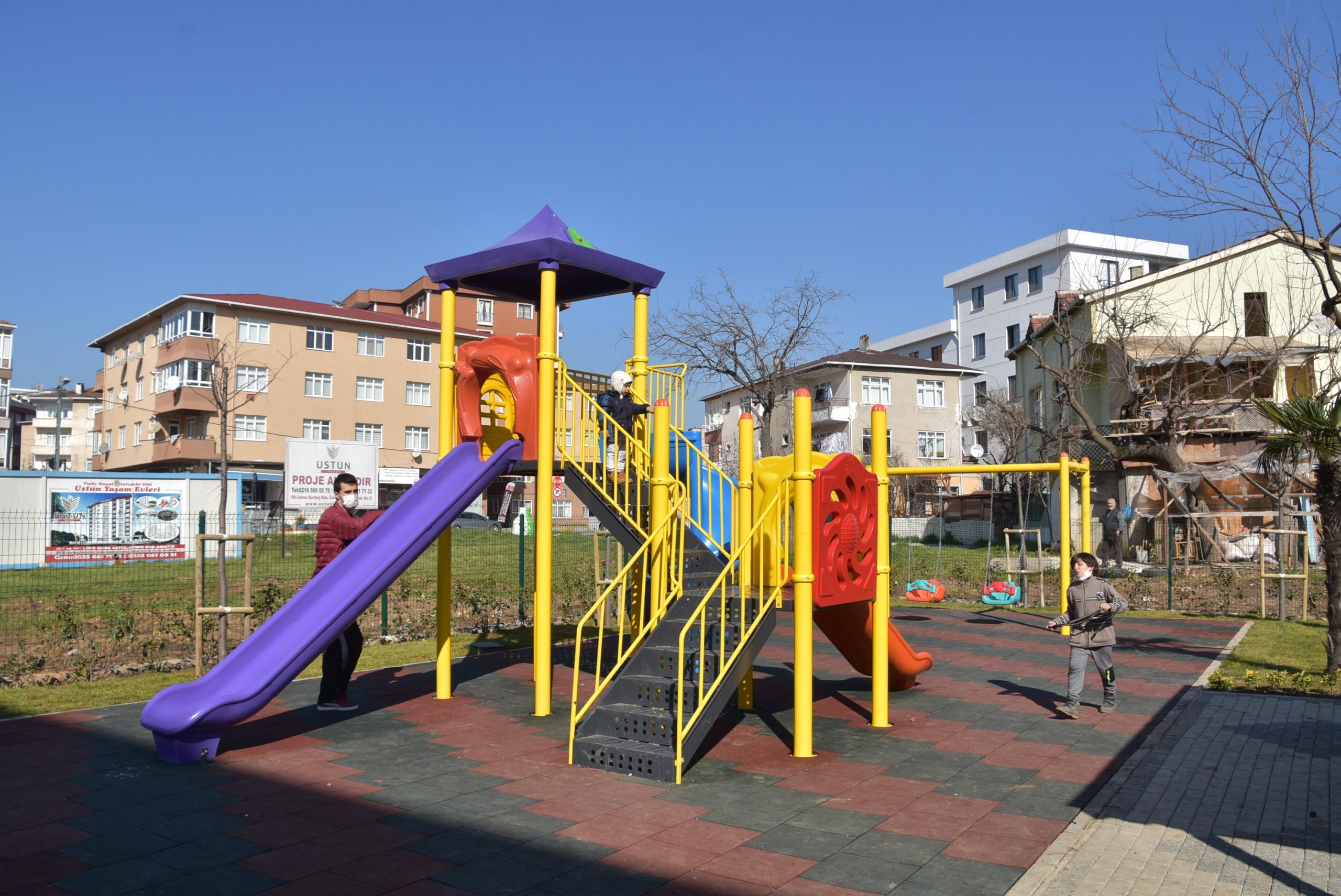 Kurtköy Güzelbağ Sokak Parkı tamamlandı