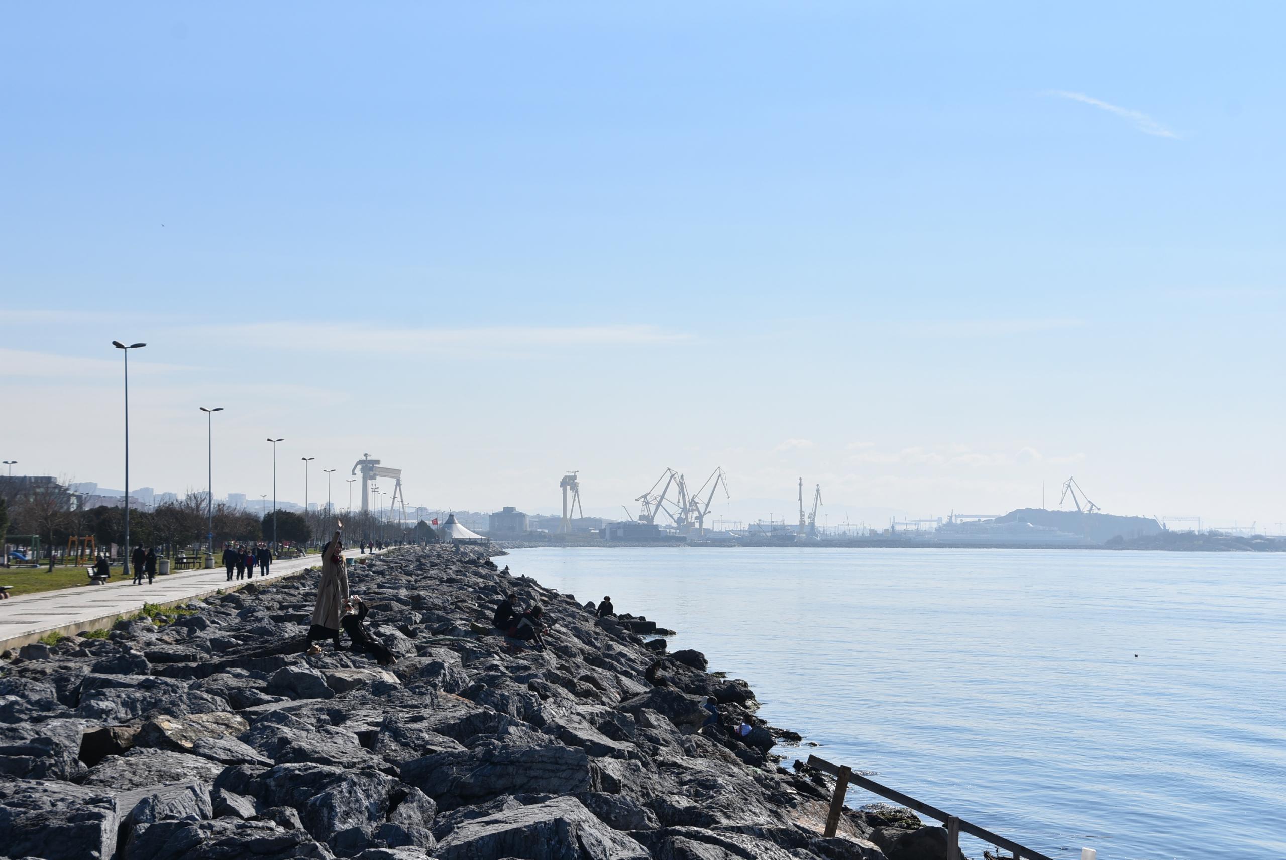 Pendik sahili hacizli ve hurda gemilerden temizlendi