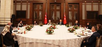 Cumhurbaşkanı Erdoğan, şehit yakınlarıyla iftar yaptı