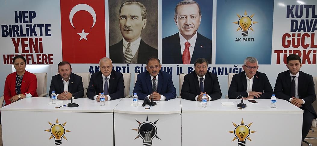 """""""Cumhuriyet Halk Partisinin birinci işi algı operasyonu"""""""