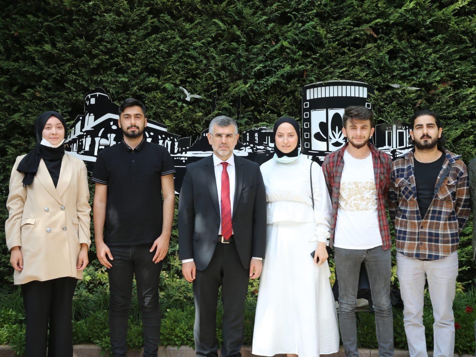Teknofest'te ikinci olan Sultanbeyli takımına tebrik