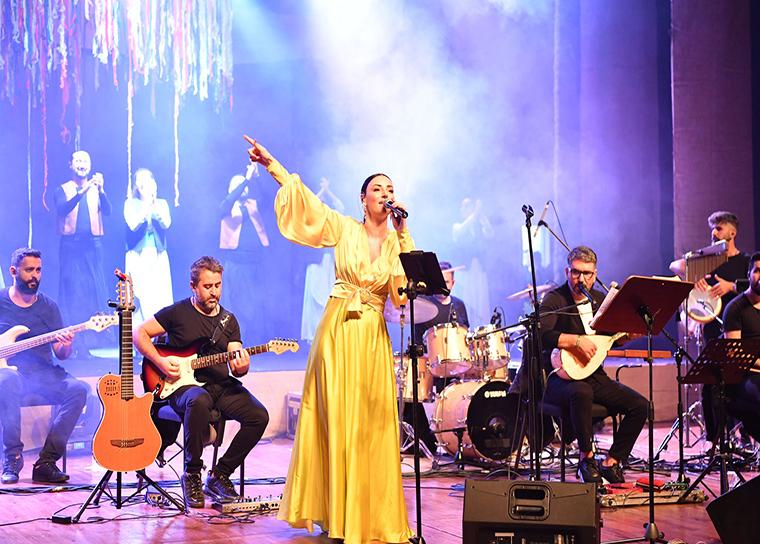 Tuzla'da Kültür Sanat Sezonu ve Dokunanlar Sergisi Açıldı